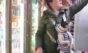 Loja lança mochila frontal para transportar cães de pequeno porte