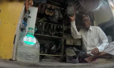 Rotina de um cão de rua na Índia - Foto Reprodução YouTube