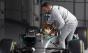 Lewis Hamilton diz que seu cão Roscoe virou 100% vegano