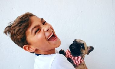 Confira as 15 melhores raças de cães para quem tem crianças em casa