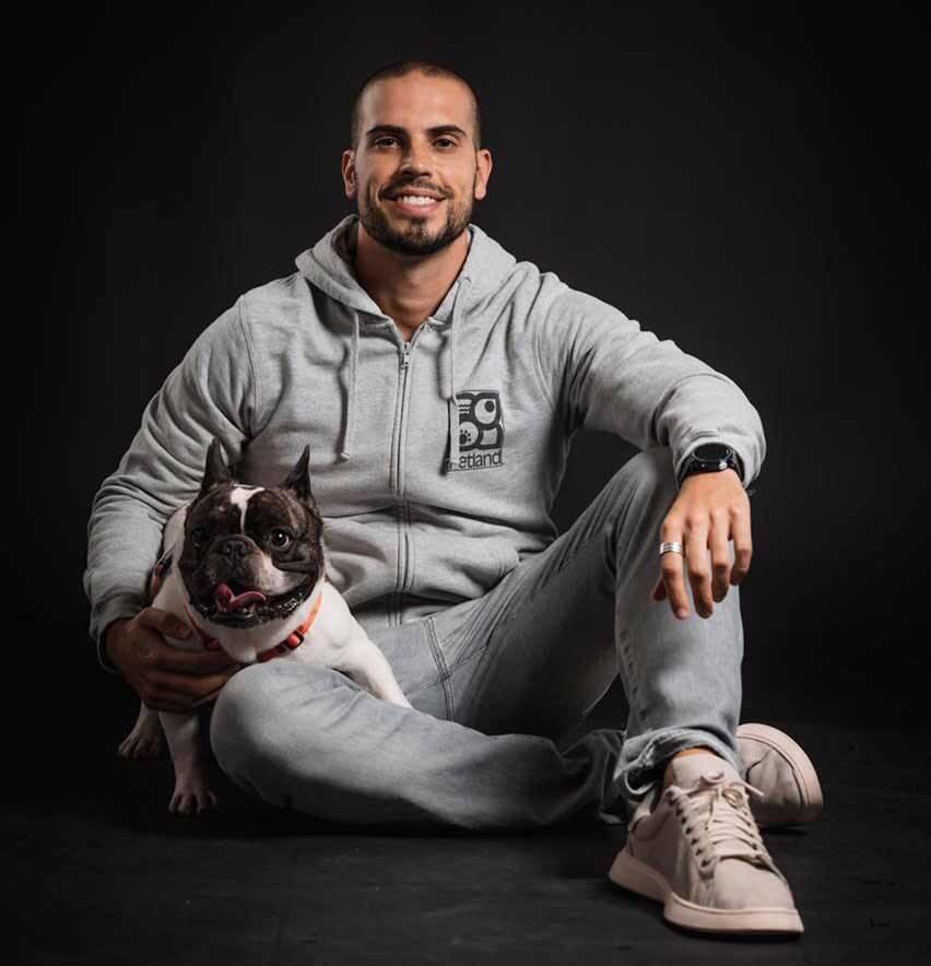 Conheça a trajetória de Rodrigo Albuquerque, empresário que está revolucionando o mercado pet. Foto: Divulgação