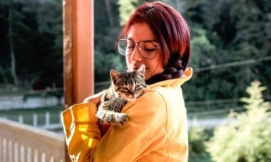 Especialistas decifram as maneiras que seu gato usa para dizer que ama você