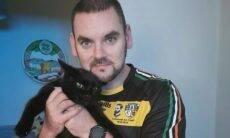 Família leva susto ao reencontrar gato que 'ressuscitou': 'Cremamos o errado'